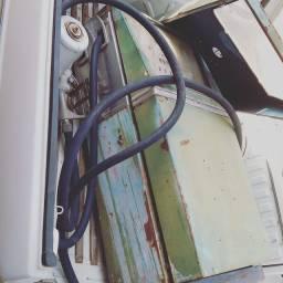 Bomba de combustível antiga completa