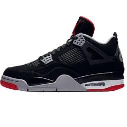 Tênis Nike Air Jordan 4