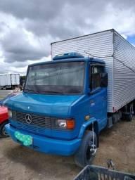 Mercedes 710