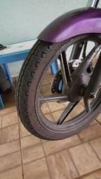 Vendo rodas de strada com dois pneus zero