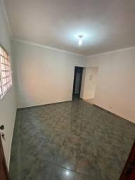 Apartamento térreo para alugar no Largo do Divino em Sorocaba - SP