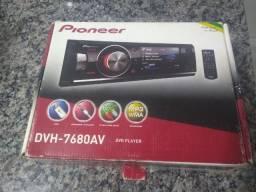 DVD Player Pioneer DVH-7680AV com Tela de 3?. Entrada USB e auxiliar