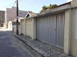 Farias Brito - Casa Plana 170m² com 3 quartos e 1 vaga