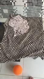 Blusa de seda com bordado