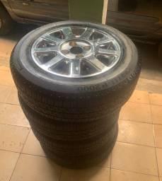 Rodas 185/65/14 com pneus pirelli NOVOS