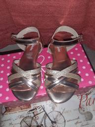 Sandálias tamanho 27