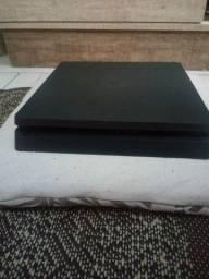 PlayStation 4 seminovo, R$ 2.000,00