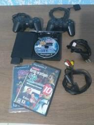 PlayStation 2 com 2 controles em ótimo estado