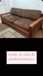 Vende -se sofá Madeira maciça