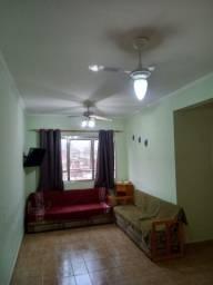 Alugo Apartamento (Diária/Temporada) - UMA QUADRA DA PRAIA