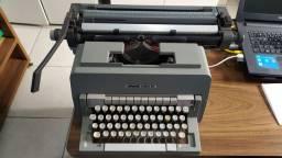 Máquina de escrever manual Olivetti Linea 98