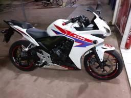 Moto Honda CBR 500, carenada, esportiva, Castanha-PA