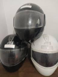 Vende-se capacetes