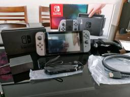 Nintendo switch novissimo na caixa ,2 jogos digitais  completo