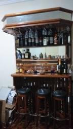Bar em mogno maciço Com 3 banquetas