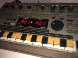 Roland mc 303