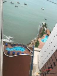 Apartamento mobiliado, andar alto, no Iate Plaza Hotel, Av. Beira Mar