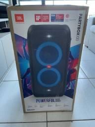 NOVA Caixa de Som JBL PartyBox 100 com Bluetooth Luzes LED - 160W RMS.