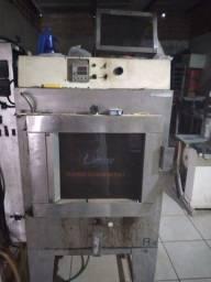 Vendo forno e armário de padaria e secador de carne