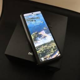 Galaxy Z Fold 2 5G impecável na garantia até 2022