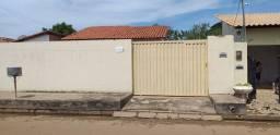 Alugo casa no centro de Altos