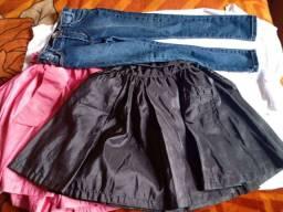 2 saias e uma calça  de jeans
