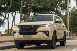 Título do anúncio: Toyota Hilux SW4 - 2.8 SRX 7 Lugares Diesel 2016
