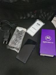 Motorola onde vision 128GB e 4 de RAM.