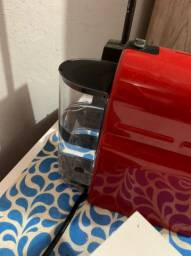 Cafeteira nespresso inissia novinho