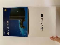 Playstation 4 Pro ( 2 Controles )