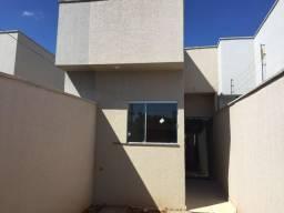 Casa 2 qts Sendo 1 suíte Marques de Abreu