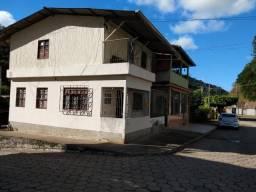 Casa de esquina 2 quartos em Santa Isabel