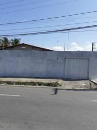Excelente Casa de Esquina na Avenida no Industrial Maracanaú próximo ao fim da linha