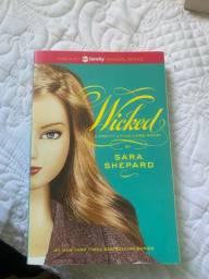 livro wicked de pretty little liars em inglês