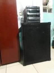 Vendo caixa de som mais som aiwa