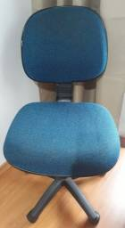 Cadeira de escritório giratória
