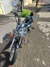 Moto custom virago 535