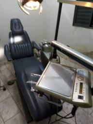 Cadeira Odontológica em funcionamento (Reformada recentemente)