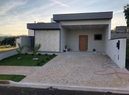 Casa com 3 dormitórios sendo 3 suítes área gourmet, piscina casa nova