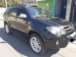 Toyota Hilux SW4 top