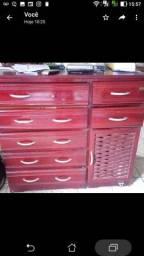 Cômodas e suporte de forno microondas c fruteiras, estantes, cama solteiro, espelho grande
