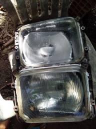 Par de farol do Mercedes 710 e outros