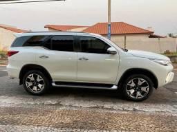 Toyota Hilux Sw4 19/20 completa. 70 k em mãos e transferir parcelas.