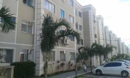 Alugo Apartamento de 2 quartos em Macaé