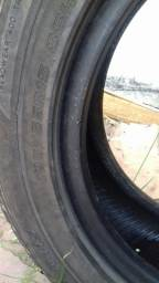 Vendo esses pneus valor a negociar