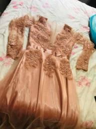 Vendo vestido feito submedida