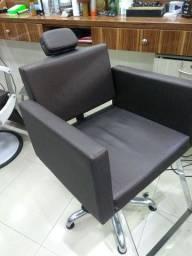 Olha essa cadeira Simi novo.