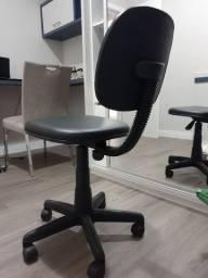 Vendo cadeira  rodinhas