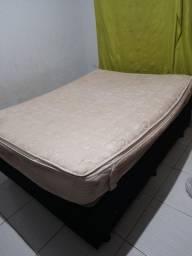Cama box e colchão 150,00