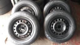 Vendo rodas de ferro aro 14,montadas com pneus